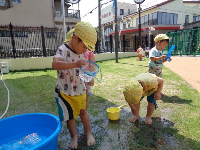 うさぎ組 水遊び_c0400784_12335300.jpg