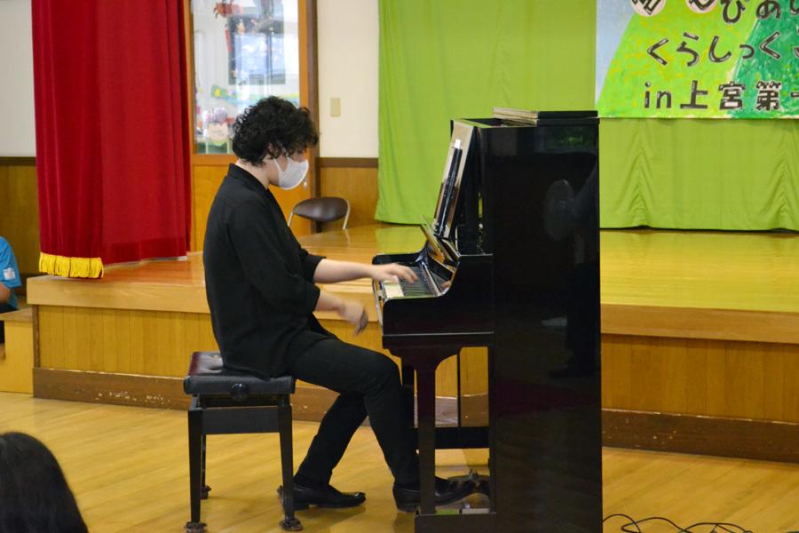 宮野恭輔ピアノミニコンサート in 上宮学園_d0353789_16361218.jpg