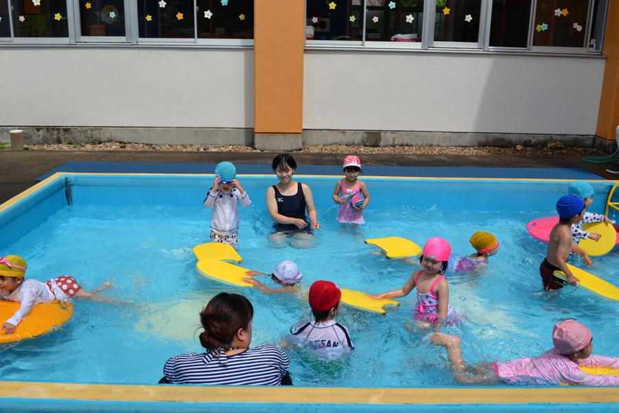 プール遊び自由参観日、第二幼稚園_d0353789_13423071.jpg