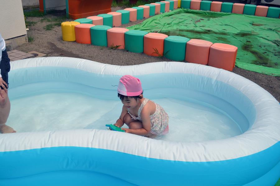 プール遊び自由参観日、第二幼稚園_d0353789_13424151.jpg