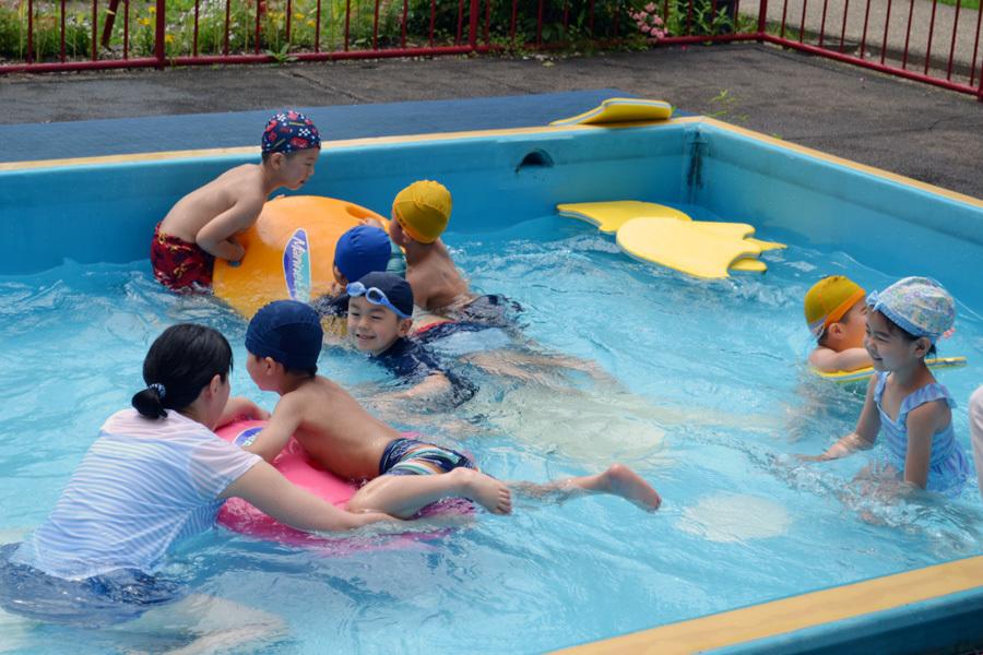 プール遊び自由参観日、第二幼稚園_d0353789_13430236.jpg