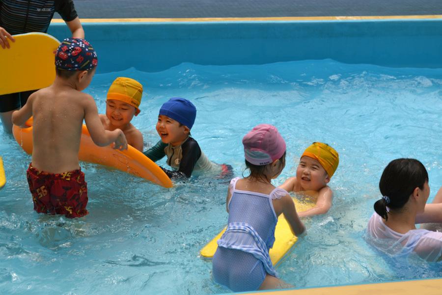 プール遊び自由参観日、第二幼稚園_d0353789_13430976.jpg
