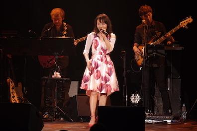 7月4日鮎川麻弥Live 〜刻をこえて〜35th Anniversary+ ♪1部のライブレポートです!_c0118528_18414372.jpg