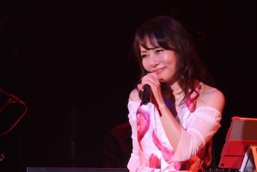7月4日鮎川麻弥Live 〜刻をこえて〜35th Anniversary+ ♪1部のライブレポートです!_c0118528_18422472.jpg