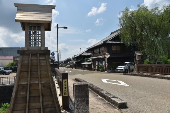 美濃中山道 加納宿から鵜沼宿を行く_e0164563_11045312.jpg