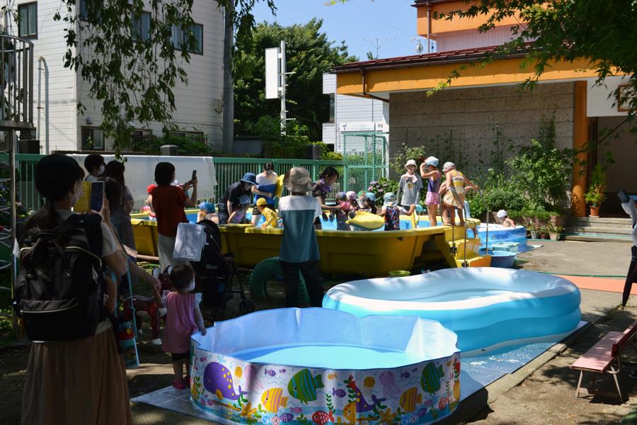 プール遊び自由参観日、第一幼稚園_d0353789_15550532.jpg