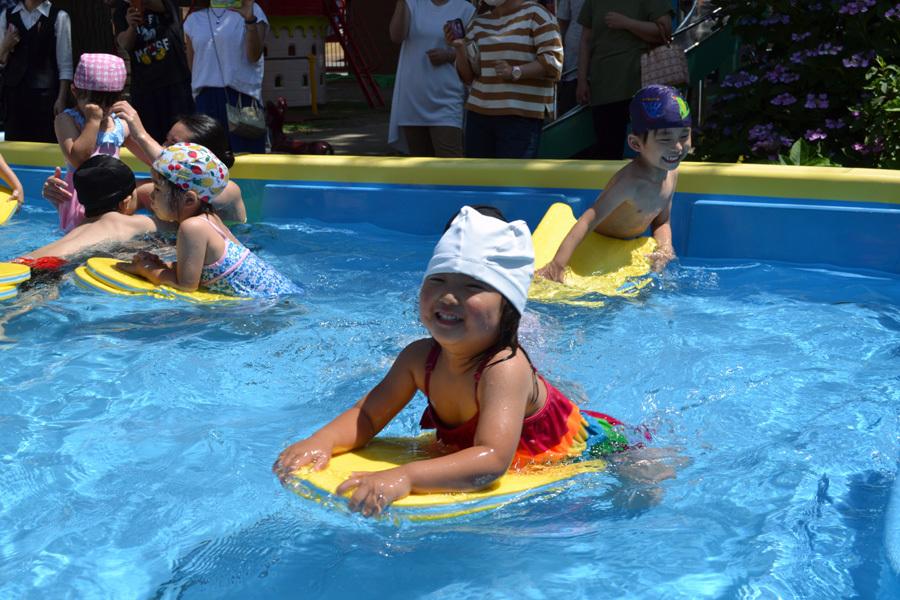 プール遊び自由参観日、第一幼稚園_d0353789_15551858.jpg