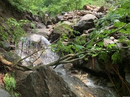 登山道の大雨による被害状況。_f0101226_06461823.jpeg