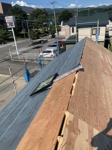 韮崎市 シングル屋根材 屋根其の①_b0242734_21190019.jpeg