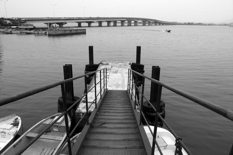 湖岸の港_f0080267_20594796.jpg
