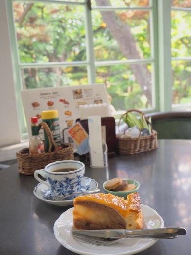 ピーターパン洋菓子店(弘前市)*アップルパイ70種類め_b0147224_23513635.jpg