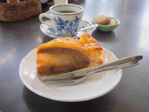 ピーターパン洋菓子店(弘前市)*アップルパイ70種類め_b0147224_23575990.jpg
