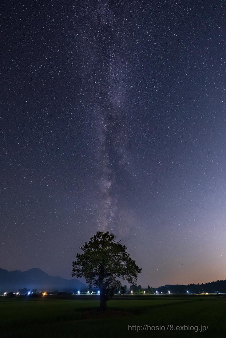 直立する銀河_e0214470_11173207.jpg