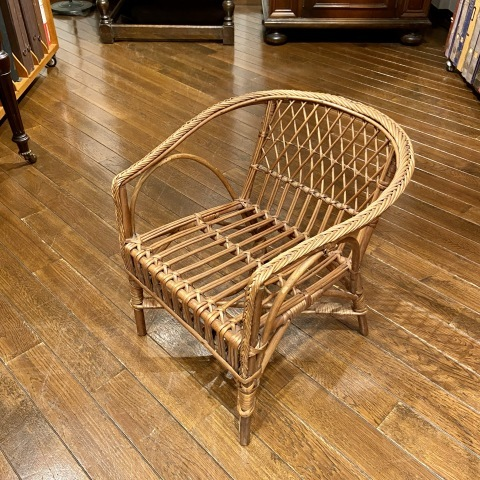Lot.42小型折りたたみ椅子&Lot.43子供用籐製椅子_a0047010_19363482.jpg