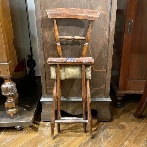 Lot.42小型折りたたみ椅子&Lot.43子供用籐製椅子_a0047010_19372193.jpg