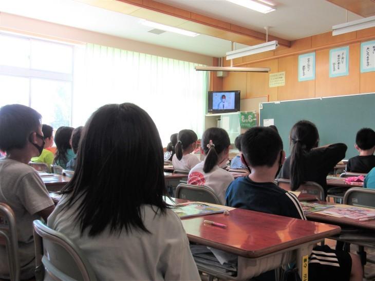 夏休み前全校集会(リモート)_b0219649_13442838.jpg