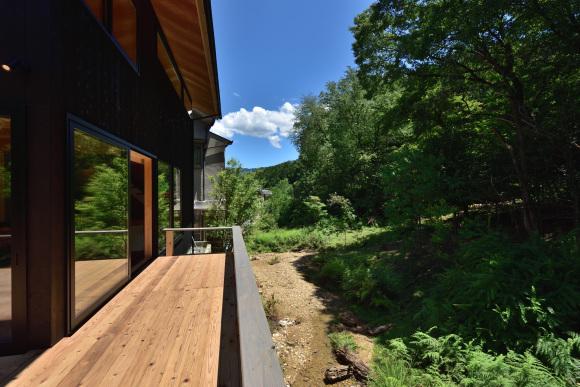 「豊かな自然を感じる小さな家」建物完成見学会_e0164563_09574046.jpg