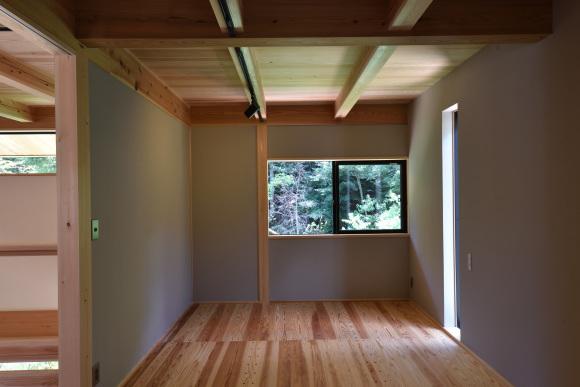 「豊かな自然を感じる小さな家」建物完成見学会_e0164563_10064368.jpg