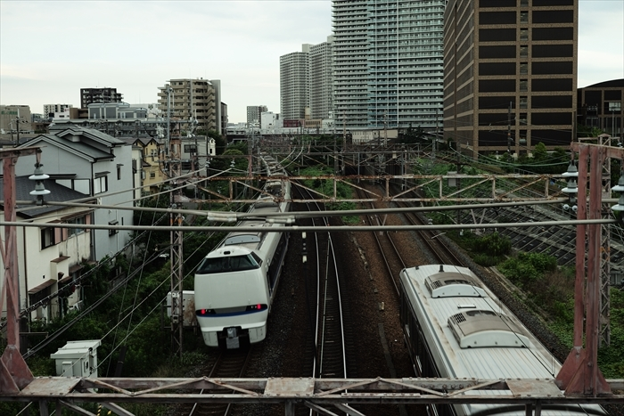 車・電車・バスです。_e0391491_22362647.jpg