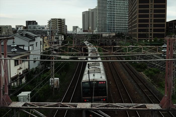 車・電車・バスです。_e0391491_22363532.jpg