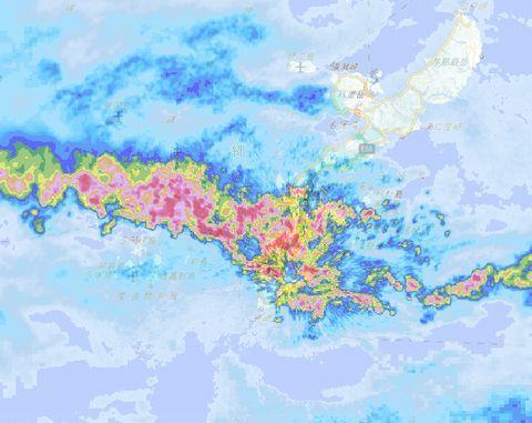 まだ台風っぽい (:_;)_c0139375_14563922.jpg