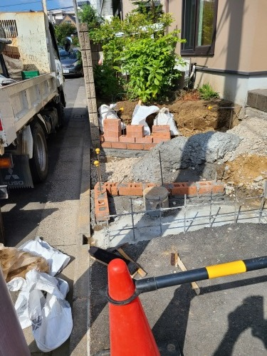 KM様邸車による事故後の工事_e0149405_17210589.jpg
