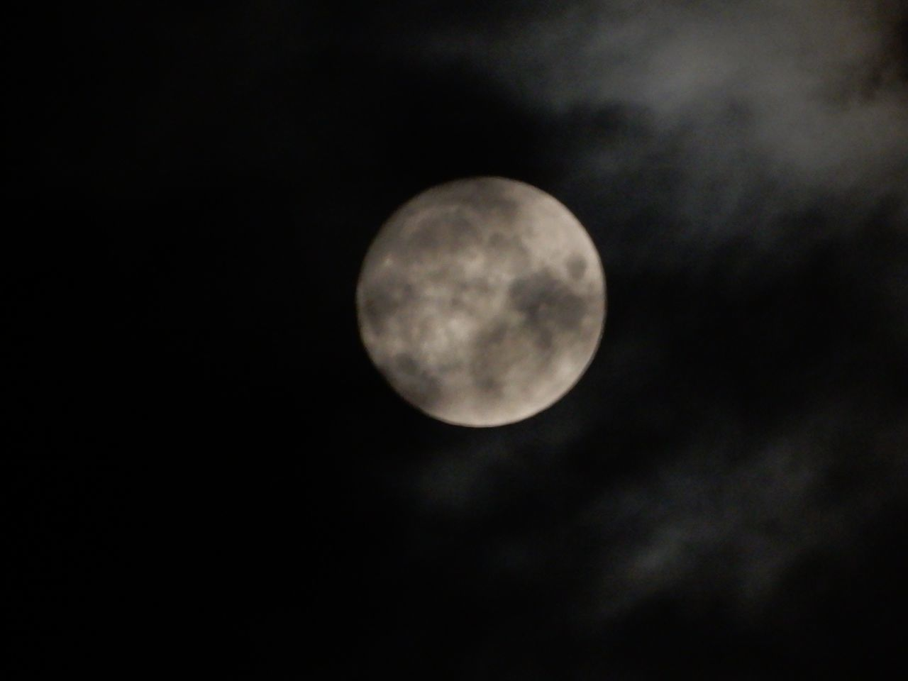バクムーン満月だそうです_c0025115_22240990.jpg