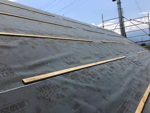 甲斐市 ダークグレーの屋根 其の一_b0242734_22593671.jpeg