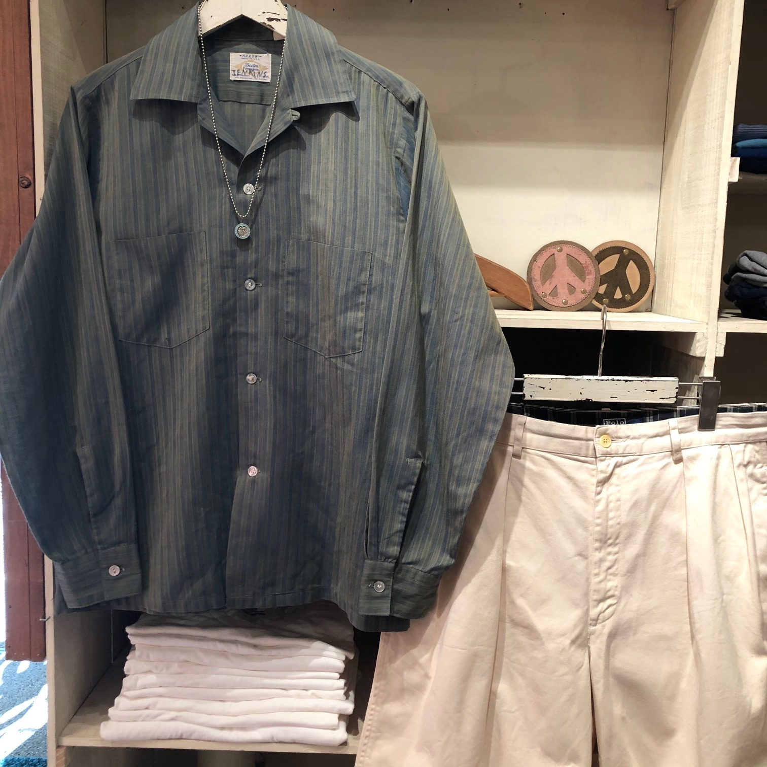 """1960-70s \"""" ARROW - MADE IN U.S.A - \"""" VINTAGE - Ombre STRIPE - L/S BOX-TAIL SHIRTS ._d0172088_18335449.jpg"""