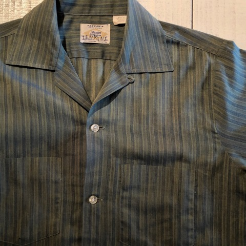 """1960-70s \"""" ARROW - MADE IN U.S.A - \"""" VINTAGE - Ombre STRIPE - L/S BOX-TAIL SHIRTS ._d0172088_18591993.jpg"""