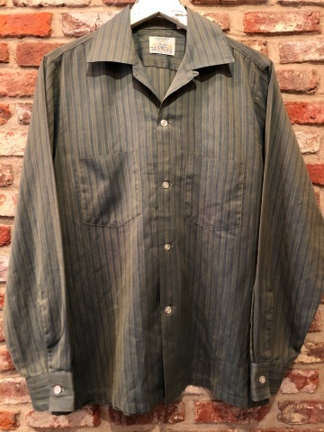 """1960-70s \"""" ARROW - MADE IN U.S.A - \"""" VINTAGE - Ombre STRIPE - L/S BOX-TAIL SHIRTS ._d0172088_19100068.jpg"""
