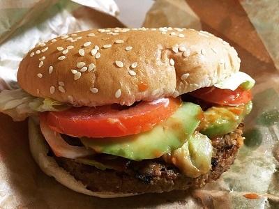 大豆由来の100%植物性バティのハンバーガー_f0231189_23531324.jpeg
