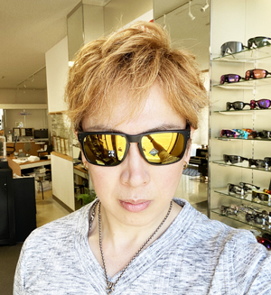 OAKLEY(オークリー)人気ライフスタイルサングラスサイズアップモデルHOLBROOK XL(ホルブルック エックスエル)発売開始!_c0003493_09043416.jpg