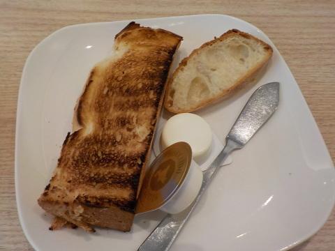 センチュリーロイヤルホテルのユーヨーテラスで朝食。_d0019916_14362999.jpg