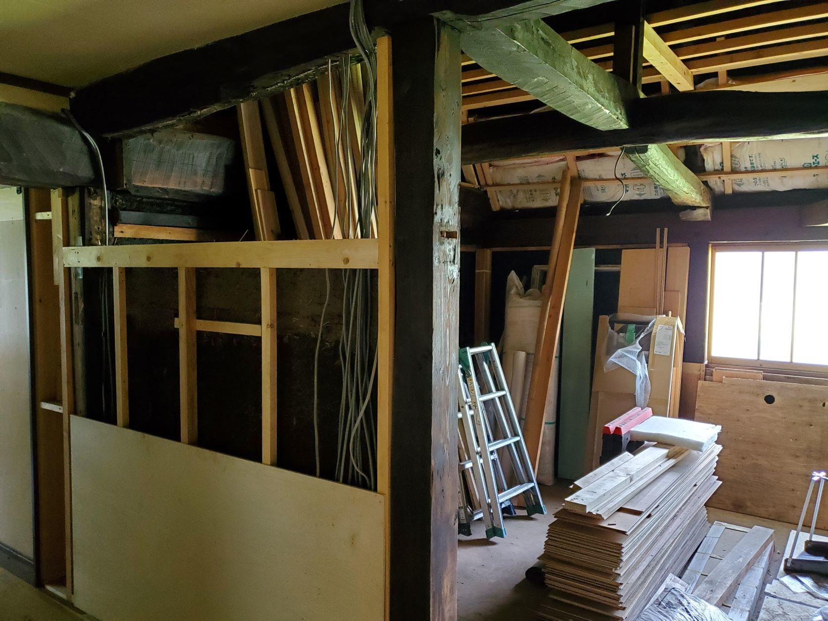 2階の現状と土壁解体_b0304722_19252860.jpg