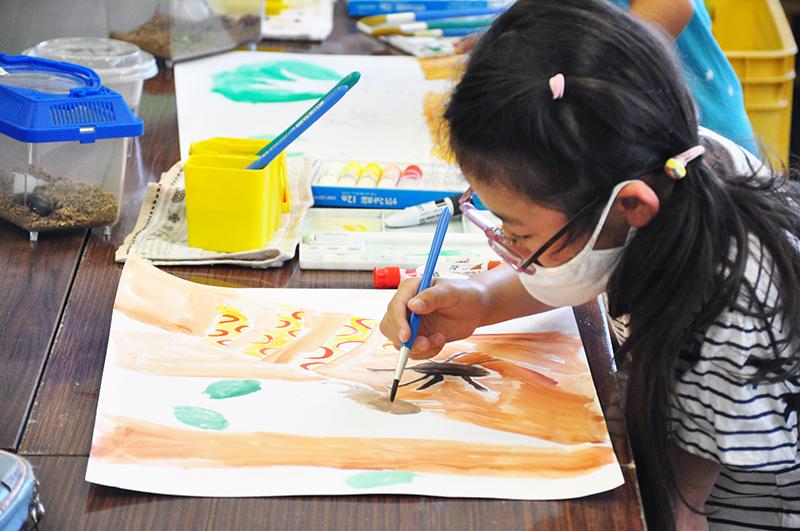 児童画クラス「カブトムシを描こう」_b0212226_11172337.jpg
