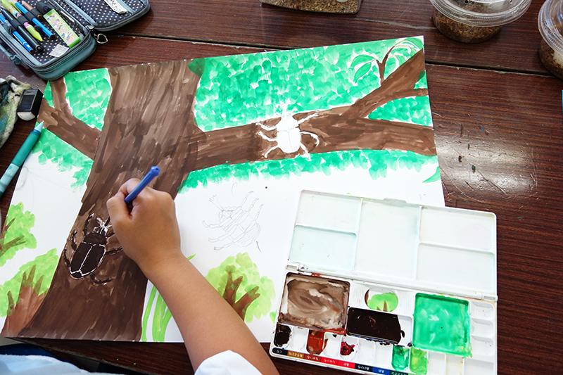 児童画クラス「カブトムシを描こう」_b0212226_11232183.jpg