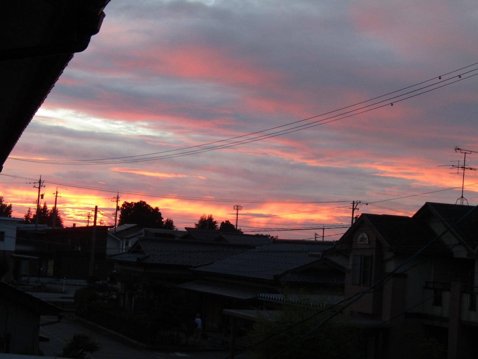 台風影響の空模様_f0281398_22492272.jpg