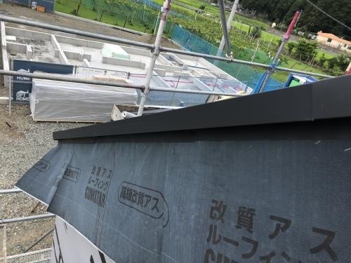 韮崎市 エステートグレーの屋根 其の五_b0242734_23053826.jpeg