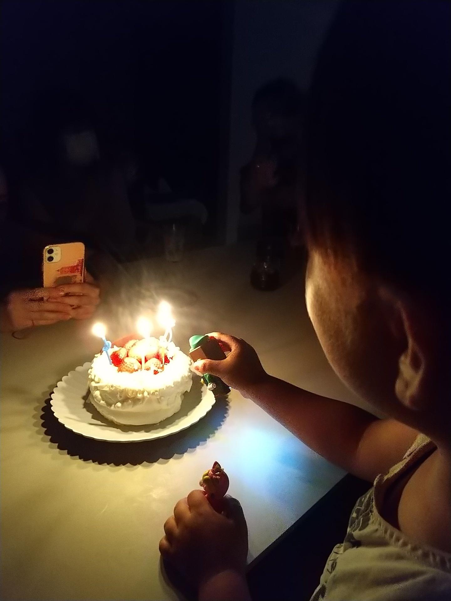 お誕生日おめでとう。_e0251855_08483321.jpg