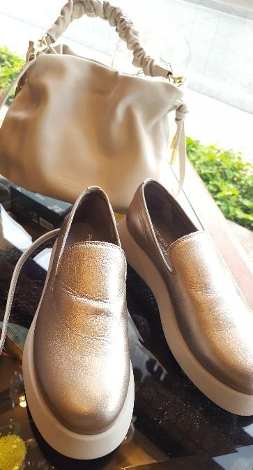 Shoesの話題、もう1つ♡_f0126121_16352018.jpg