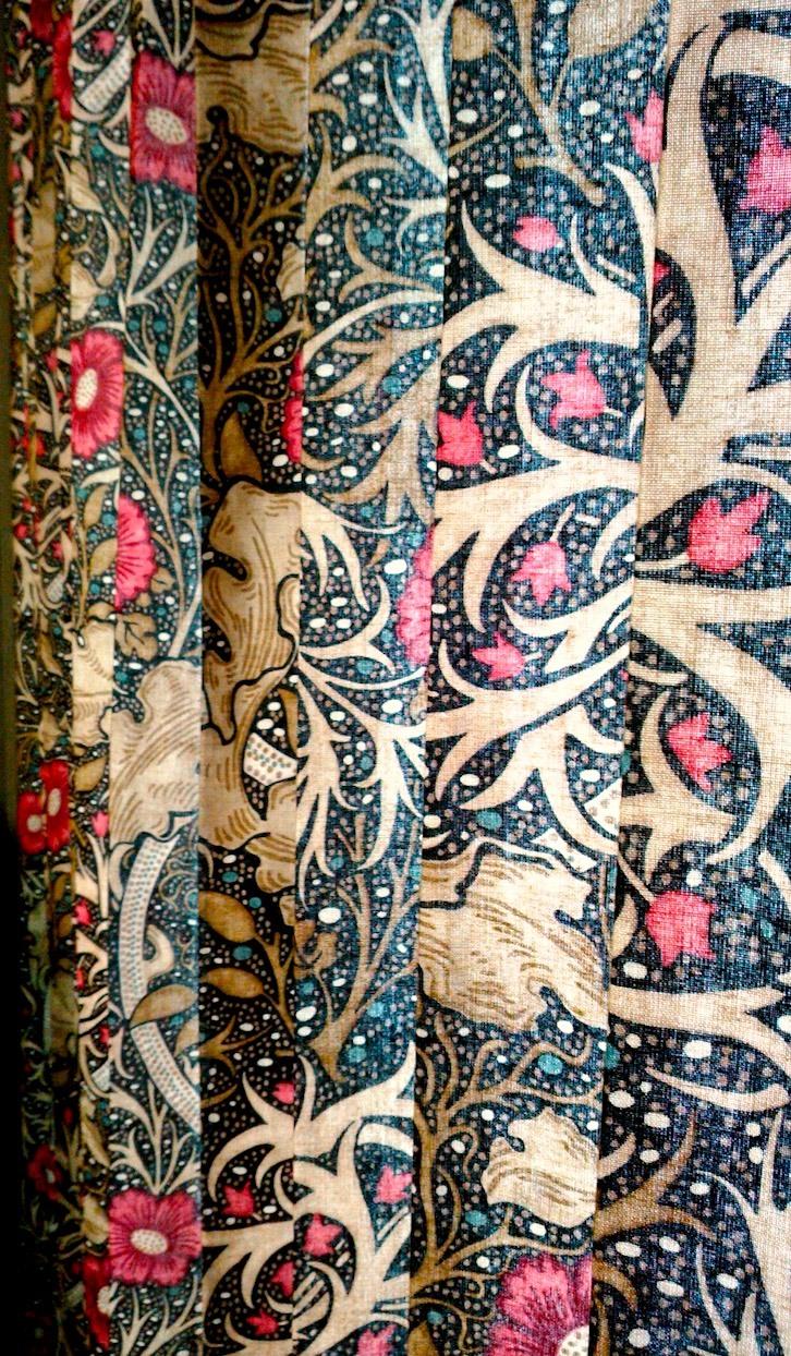 『モリス』のカーテン『シーウィード(海藻)』を納めました by interior styling of bright_c0157866_23242204.jpg