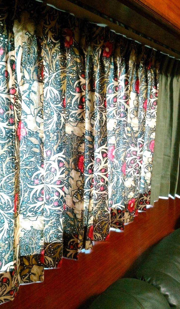 『モリス』のカーテン『シーウィード(海藻)』を納めました by interior styling of bright_c0157866_23244666.jpg
