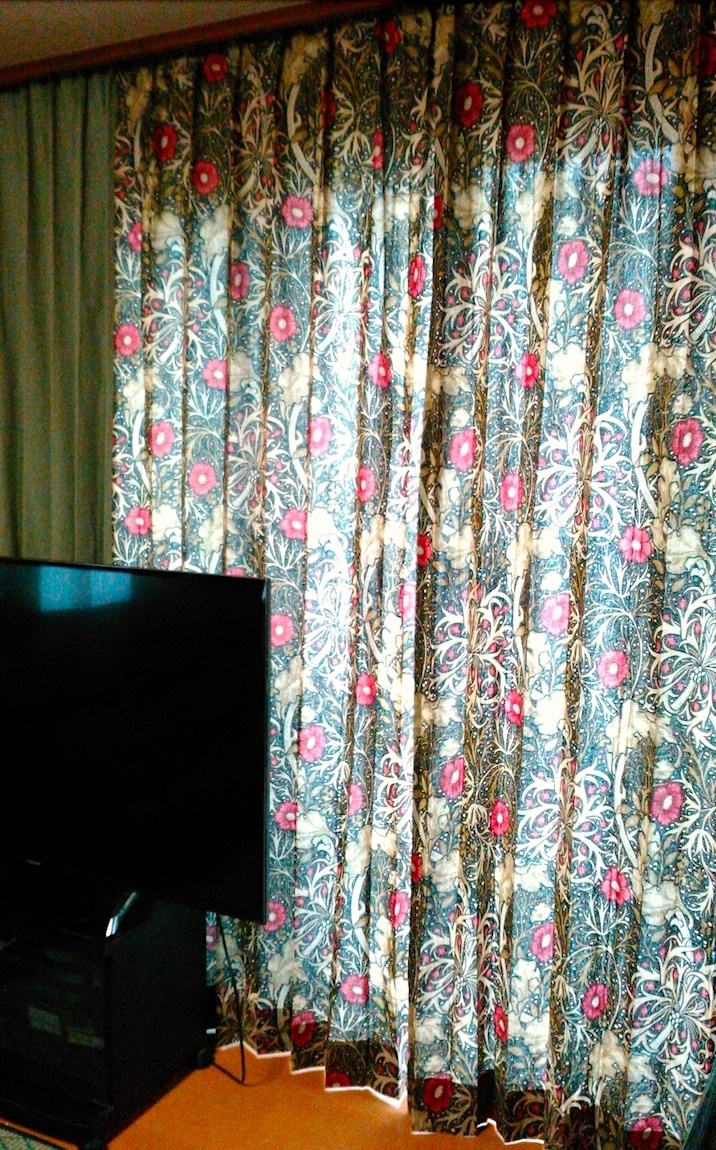 『モリス』のカーテン『シーウィード(海藻)』を納めました by interior styling of bright_c0157866_23253609.jpg