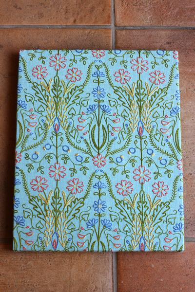 新刊「PieniSieniの植物と動物の刺繡」のお知らせ_e0333647_16250097.jpg