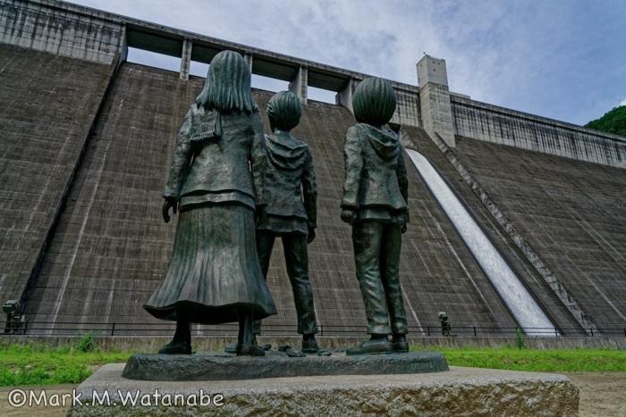 大山ダム_e0135098_08113214.jpg