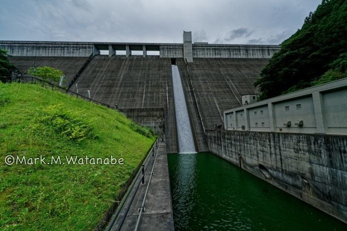 大山ダム_e0135098_08113970.jpg