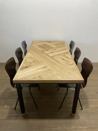 NK WB DINING TABLE_c0146581_11155602.jpg