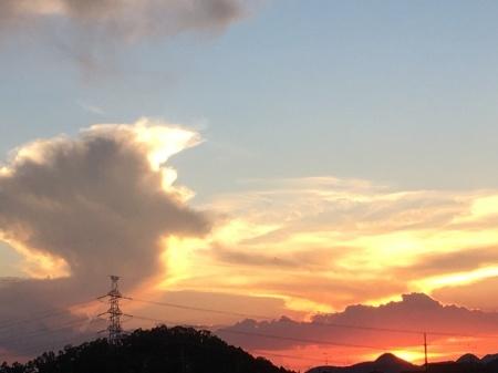 今日の夕焼けとライアー_a0174419_22224095.jpeg