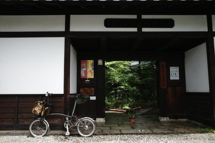 ブロンプトンと夏の長野県へ その4 ~ あがたの森文化会館  松本民芸館_a0287336_18025760.jpg